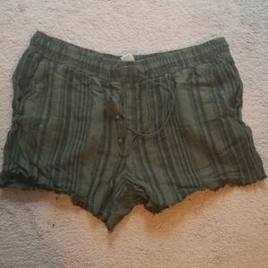 2 pairs of linen shorts